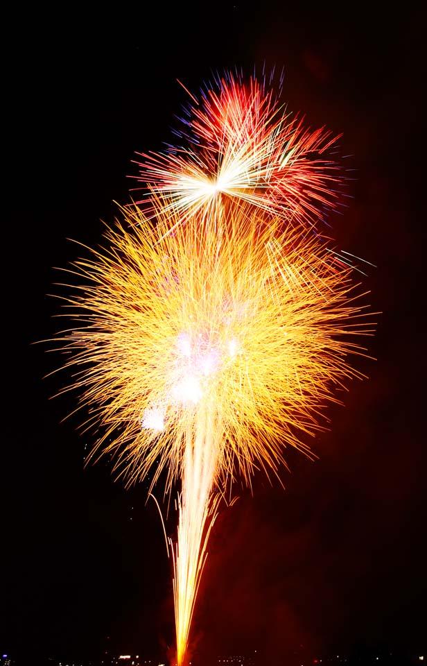写真,素材,無料,フリー,フォト,クリエイティブ・コモンズ,風景,壁紙,たまがわ花火大会, 打上花火, 夏の風物詩, 煙火, 輝き