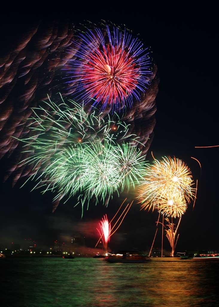 Foto, materiell, befreit, Landschaft, Bild, hat Foto auf Lager,Tokyo Bucht großartiges Feuerwerk, Feuerwerk, Nacht, Abschuss, Ein-Fußfeuerwerkball