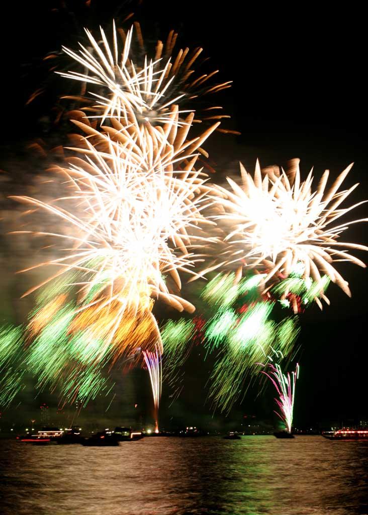 Foto, materiell, befreit, Landschaft, Bild, hat Foto auf Lager,Tokyo Bucht gro�artiges Feuerwerk, Feuerwerk, Nacht, Abschuss, Ein-Fu�feuerwerkball