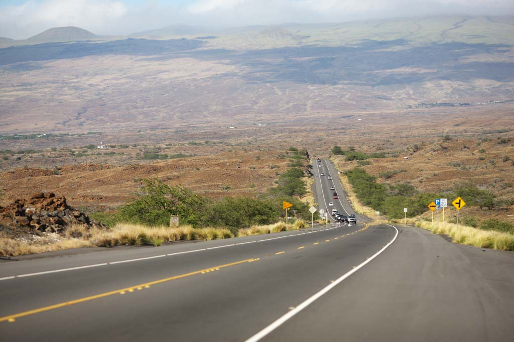 photo,material,free,landscape,picture,stock photo,Creative Commons,The road which opened up lava, highway, Asphalt, Lava, car