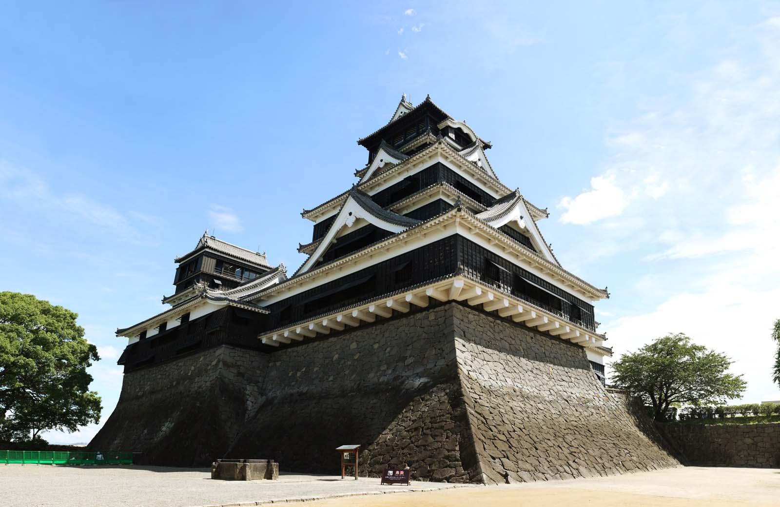photo,material,free,landscape,picture,stock photo,Creative Commons,Kumamoto-jo Castle, Ginkgo Castle, The Southwestern Rebellion, One castle tower, bridge Kuo-type castle on a hill