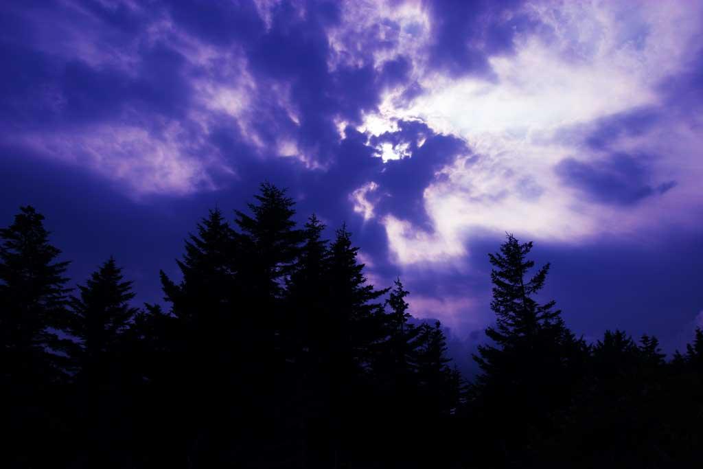 写真,素材,無料,フリー,フォト,クリエイティブ・コモンズ,風景,壁紙,森と雲, 太陽, 山, 空, 雲