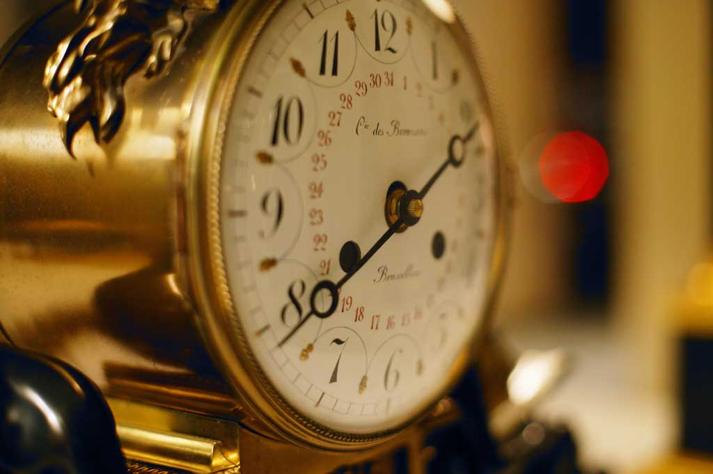 photo,material,free,landscape,picture,stock photo,Creative Commons,Hands of a clock, clock, table clock, hand,