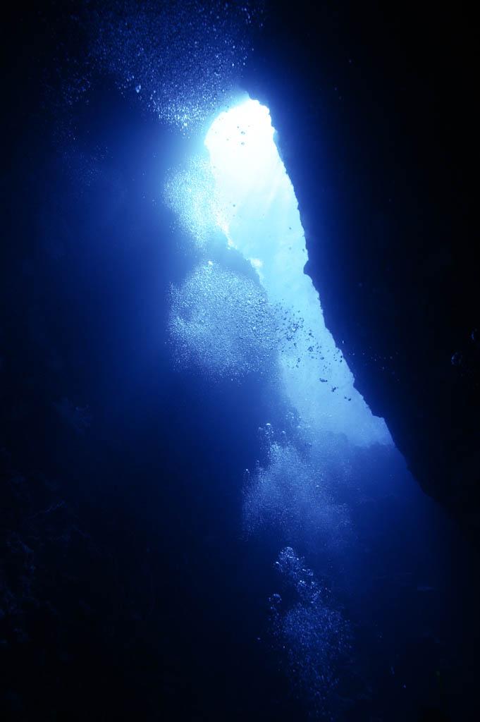 fotografia, materiale, libero il panorama, dipinga, fotografia di scorta,Vada in una caverna subacquea, caverna, bolla, Blu, Nel mare