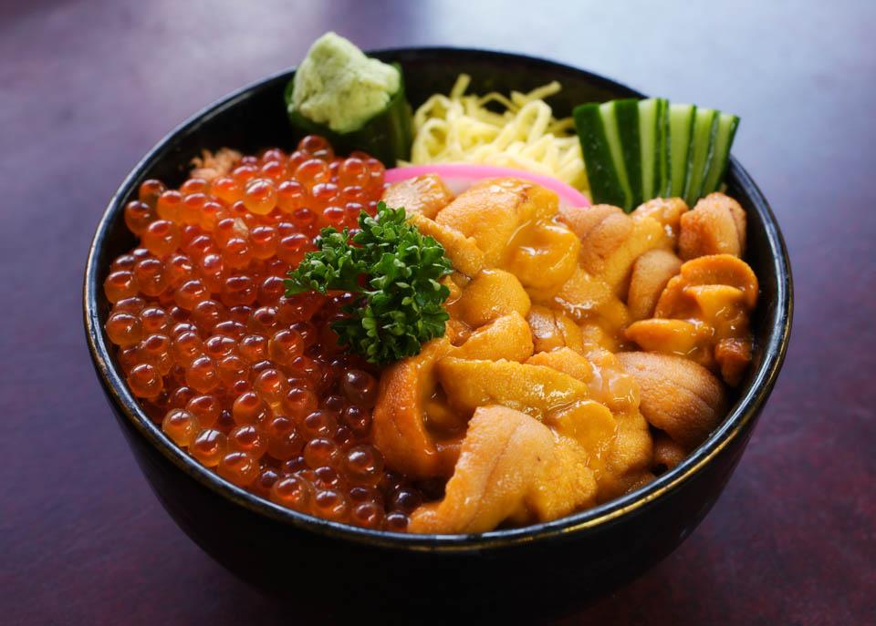 いくら 丼 ウニ 東京「絶品いくら丼」8店!こぼれいくら丼、うにコラボ丼など!築地のお店も|じゃらんニュース