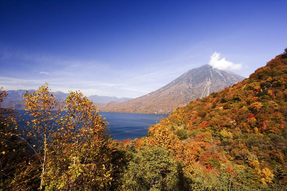fotografia, materiale, libero il panorama, dipinga, fotografia di scorta,Lago di luce del sole Chuzenji-ko e Mt. figura maschia, lago, Acero, cielo blu, montagna