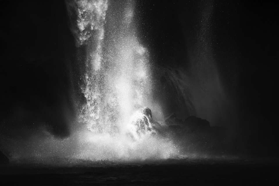 写真,素材,無料,フリー,フォト,クリエイティブ・コモンズ,風景,壁紙,瀑流の銀河宇宙, 滝, 崖, 滝壺, 飛沫