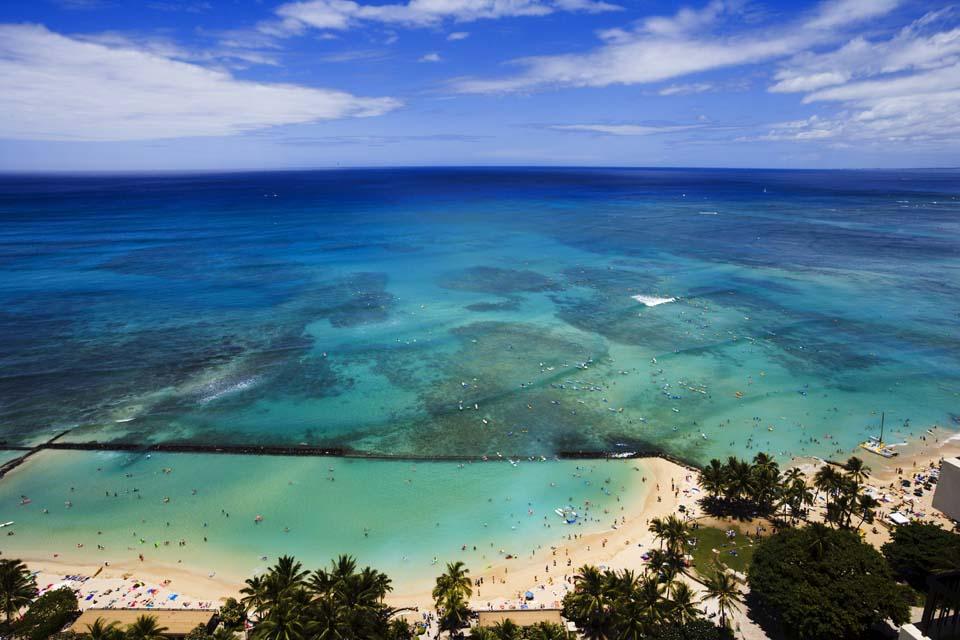 photo,material,free,landscape,picture,stock photo,Creative Commons,Waikiki green, beach, sandy beach, blue sky, Sebathing
