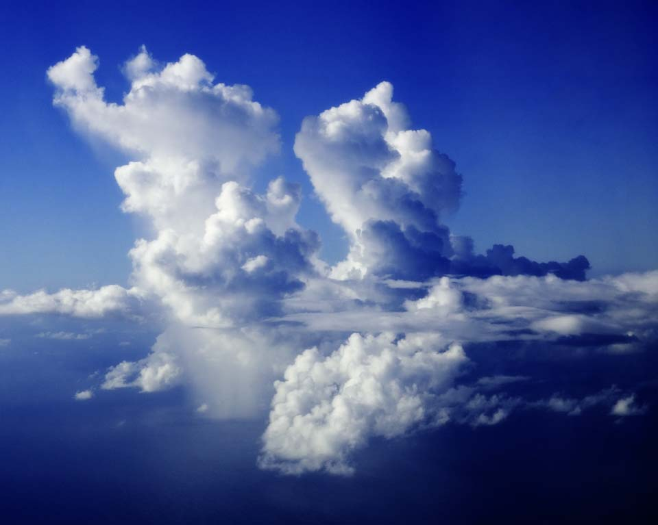 写真,素材,無料,フリー,フォト,クリエイティブ・コモンズ,風景,壁紙,積乱雲にスコール, 気象, 雨, 豪雨, 雲