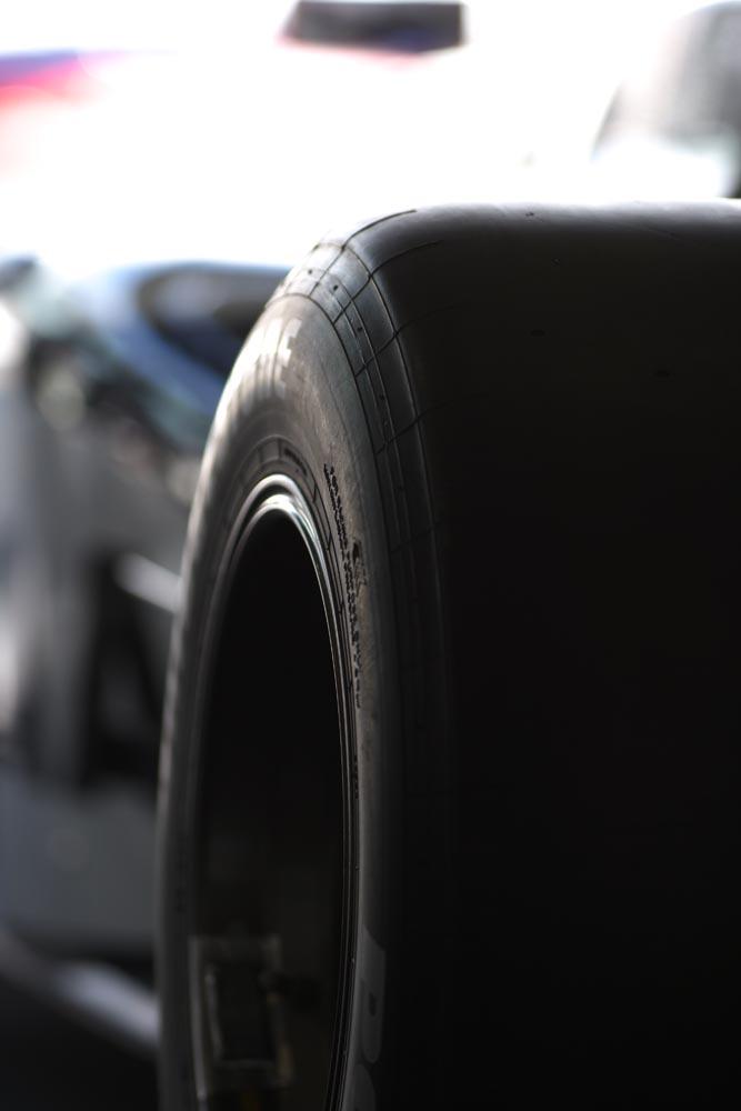 foto,tela,gratis,paisaje,fotografía,idea,Un neumático de carreras, Neumático de carreras, Capa de carreras, Auto de carrera, Competencia