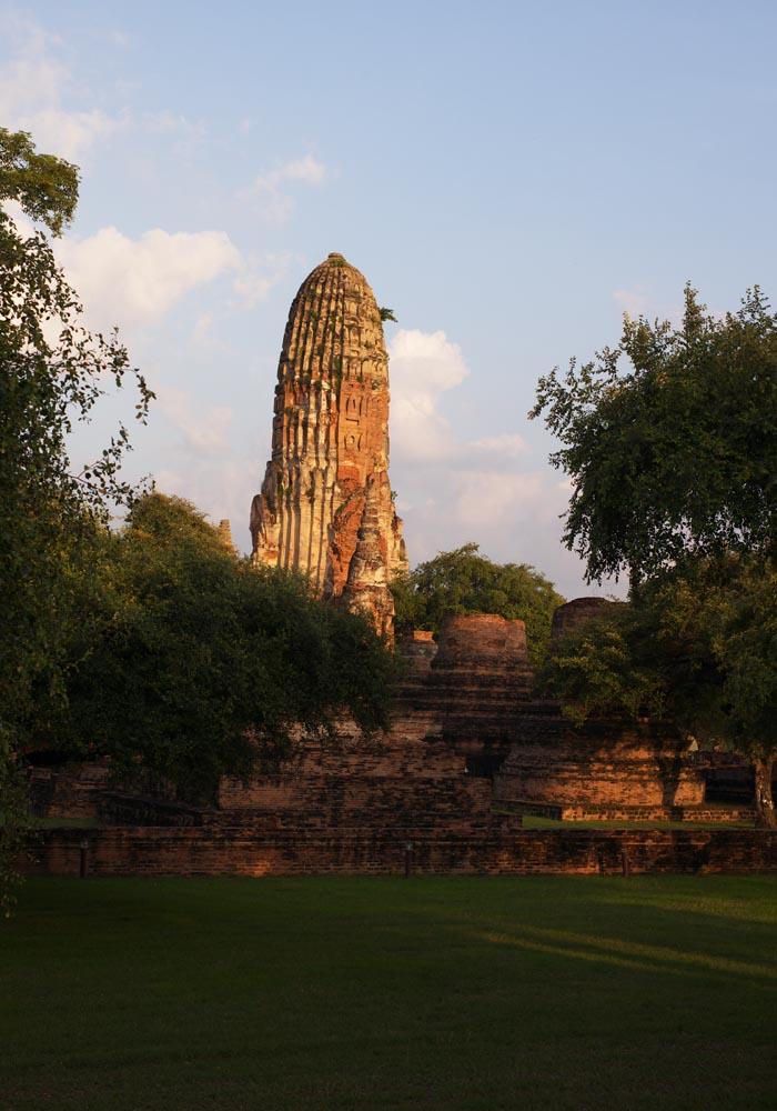 写真,素材,無料,フリー,フォト,クリエイティブ・コモンズ,風景,壁紙,ワット・プララーム, 世界文化遺産, 仏教, 仏塔, アユタヤ遺跡