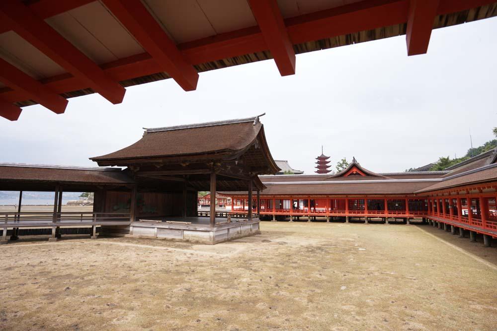 Foto, materieel, vrij, landschap, schilderstuk, bevoorraden foto,Een corridor van Itsukushima-jinja Heiligdom, Wereldwijd cultureel heritage, Otorii, Shinto heiligdom, Ik ben cinnabar rood