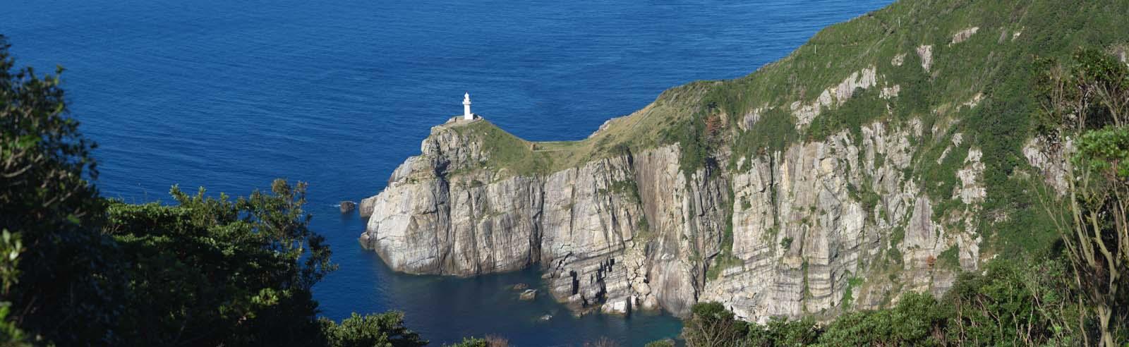 photo,material,free,landscape,picture,stock photo,Creative Commons,Large Sezaki whole view, cliff, The sea, blue sky, Great Sezaki Lighthouse