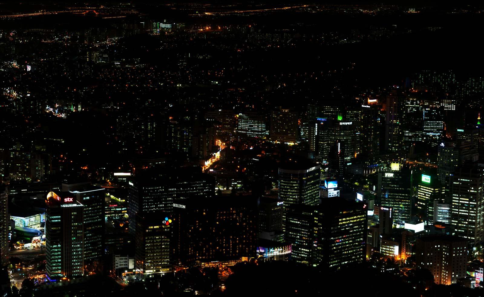 写真,素材,無料,フリー,フォト,クリエイティブ・コモンズ,風景,壁紙,ソウルの夜景, ビル, ネオン, 夜景, 照明