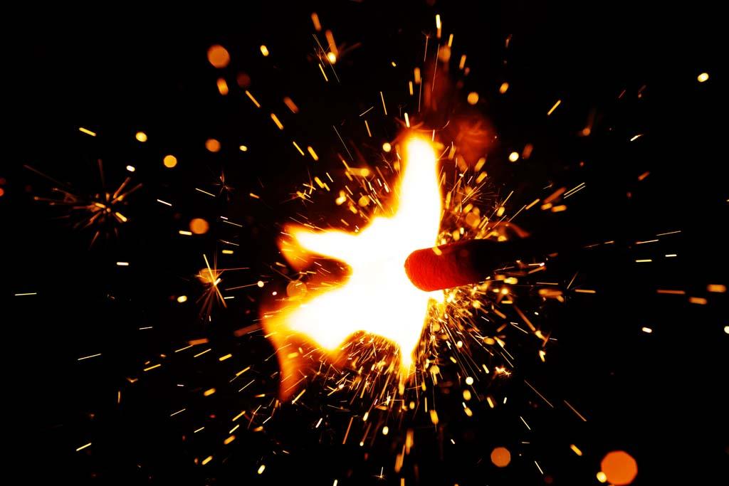 Yun Gratis Fotos No 5975 La Chispa De Fuegos Artificiales Japon