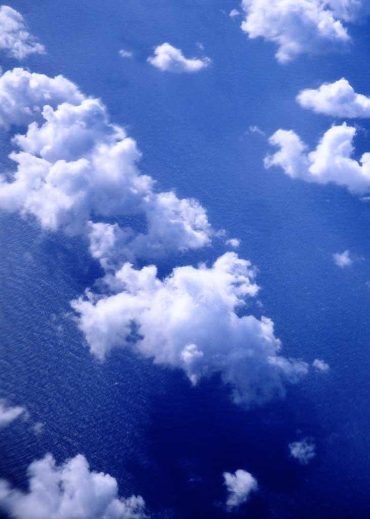 写真,素材,無料,フリー,フォト,クリエイティブ・コモンズ,風景,壁紙,雲遊ぶ, 空, , ,