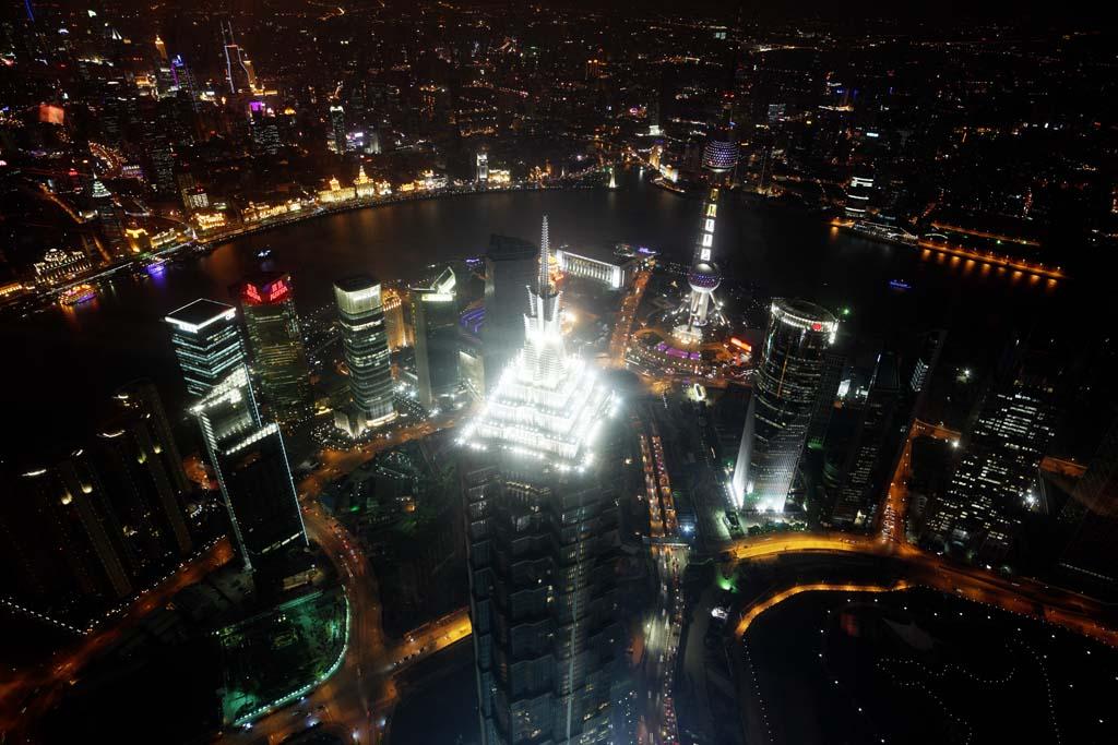 写真,素材,無料,フリー,フォト,クリエイティブ・コモンズ,風景,壁紙,上海の夜景, 絶景, ライトアップ, 東方明珠電視塔, 超高層ビル