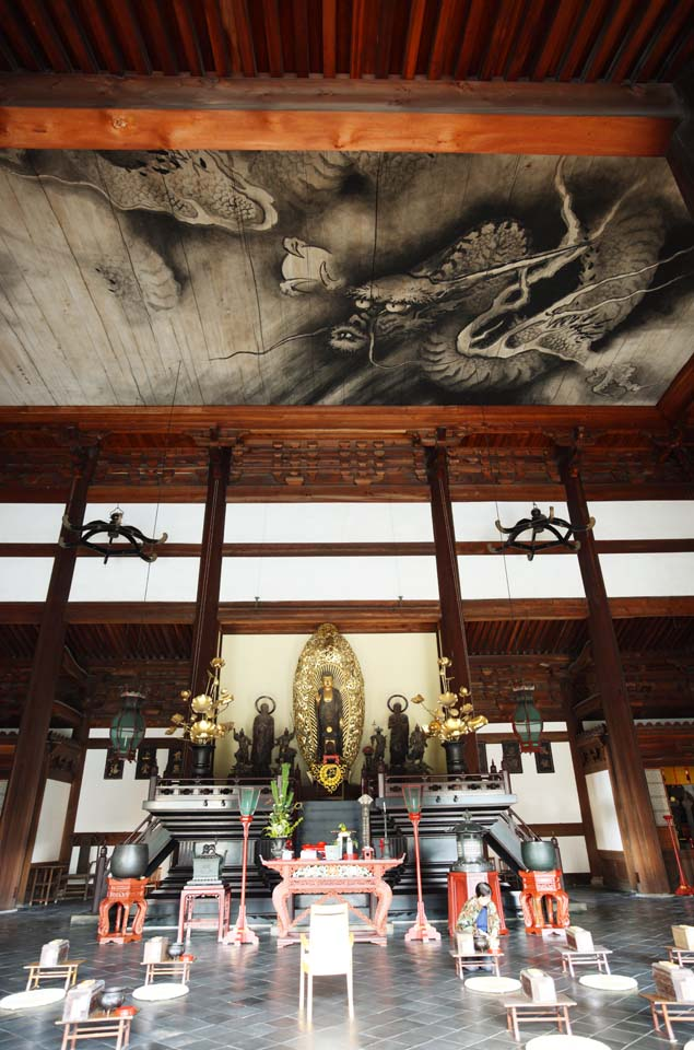 photo,material,free,landscape,picture,stock photo,Creative Commons,The Tofuku-ji Temple main hall of a Buddhist temple, Chaitya, The picture of the dragon, Buddhist image, principal idol image of Buddha with his two Buddhist saints on each sides image